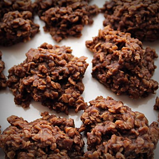 Delicious chocolate oat cookies