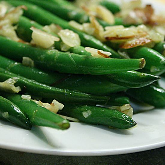 Green beans far too delicious-looking to have come from a can