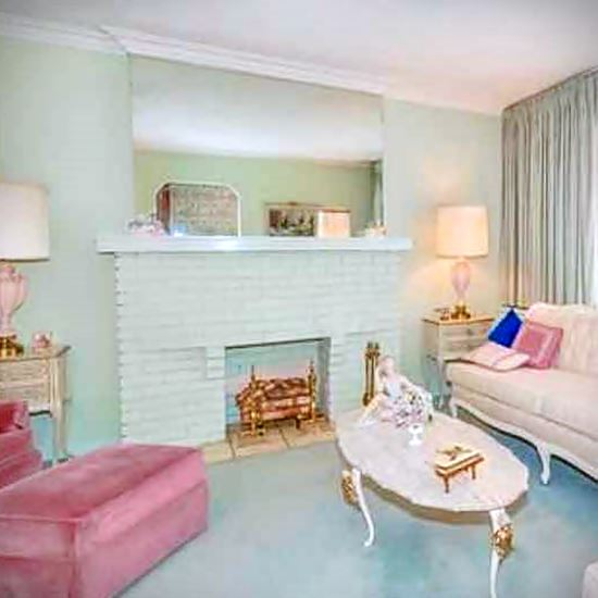 Room resplendent with pastel 1950s decor