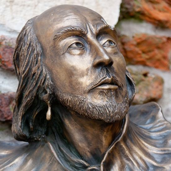 bronze statue of Shakespeare