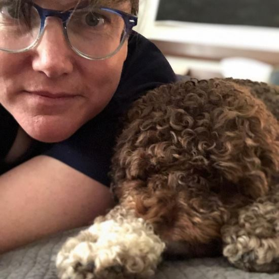 Hannah Gadsby and her dog