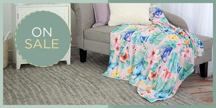 Super Cozy™ Watercolor Garden Friends Throw Blanket