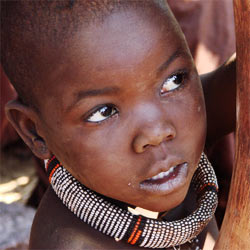Support the UN's efforts to save the people in the Horn of Africa who are suffering from extreme drought and famine.