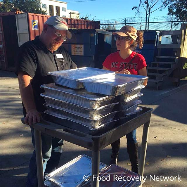 Food Recovery Network volunteers